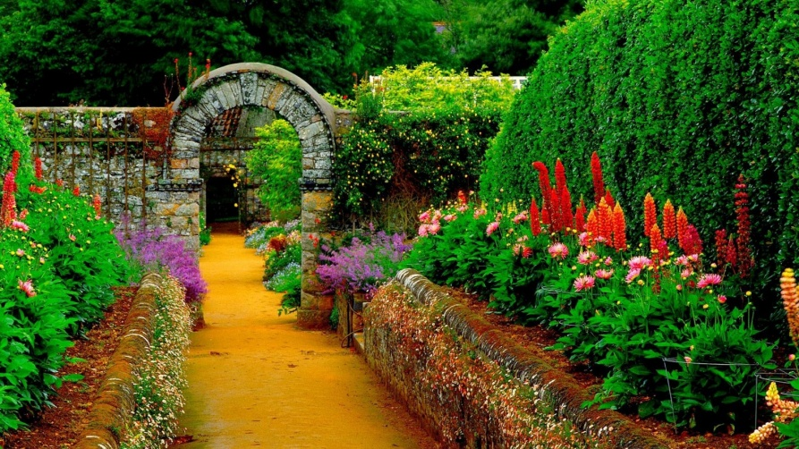 ۱۶۰۰x900_country-garden-path