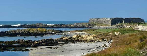 ساحل دراماتیک و سواحل وایانا کاستلو