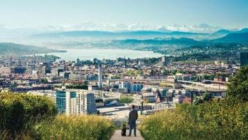 زوریخ شهری زیبا و مرکز مالی سوئیس