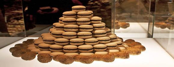 Confiserie Sprüngli: Café یک شیرینی فروشی |